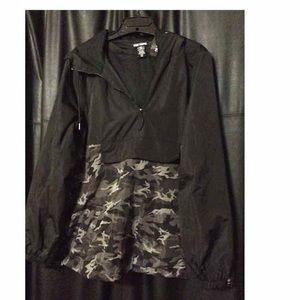 New Hot Topic  camo hooded Windbreaker jacket
